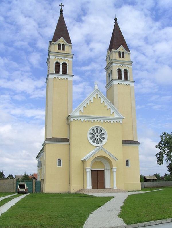 Die Herz-Jesu-Kirche in Apatin dient jetzt als Donauschwäbisches Kirchenmuseum